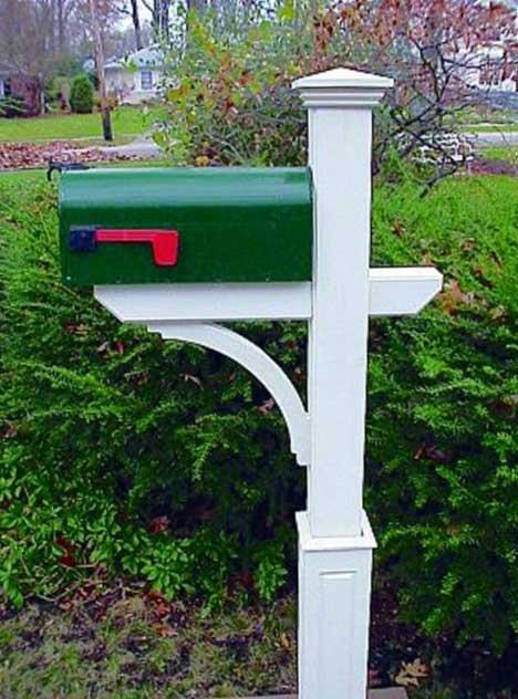 new-englander-mailbox-post-full